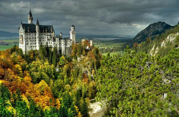 Det fantasifulde schloss neuschwanstein i bayern