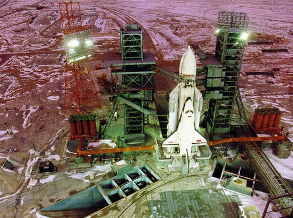 1988: Buran på rampen klar til lift-off
