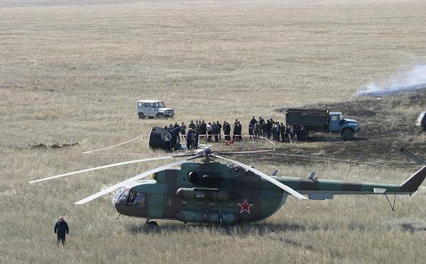 Landingsmodulet fra en Soyuz er landet på stepperne