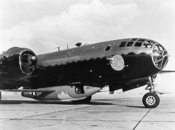 Testflyet Bell X-1 under en næsebemalet B-29