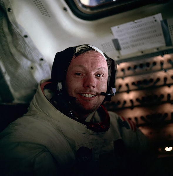 Armstrong umiddelbart efter den første EVA på månen
