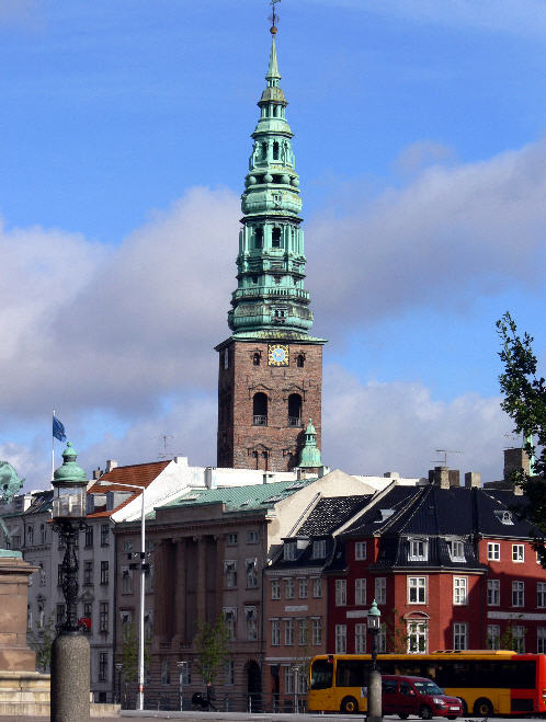 Det imponerende Nikolai tårn som det ser ud i dag