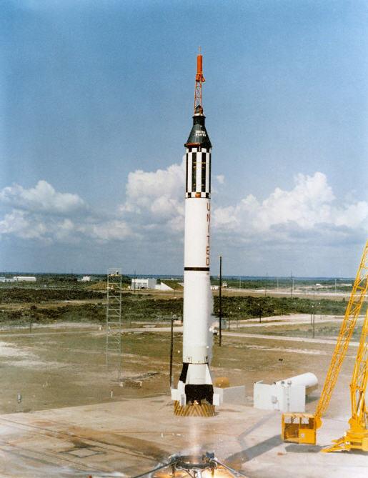 Alan Shepard og en Mercury-Redstone på vej ind i historiebøgerne