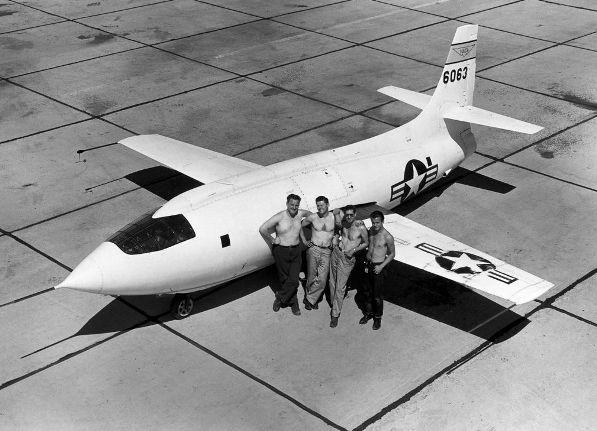 X-1 under Californiens bagende sol i de fantastiske Right Stuff tider først i 50erne